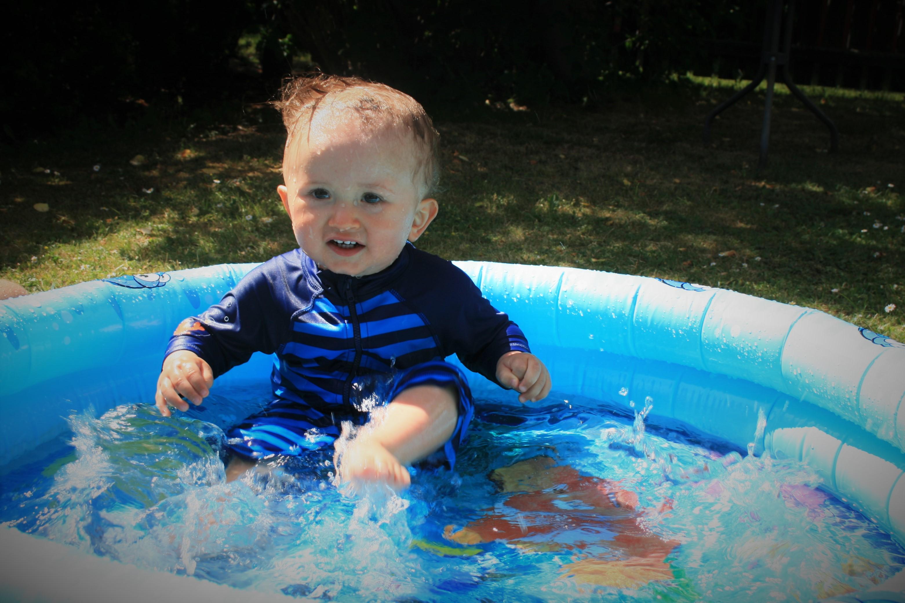 Vi har badat mycket i sommar