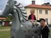och en stor häst